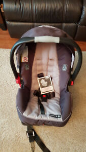 NEW Graco Infant Car Seat purchased 3 months ago