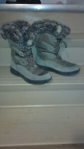 Cougar winter boots size 10