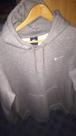 Men's brand, never worn new large Nike jumper with receipt