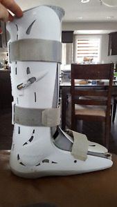 Aircast boot- large