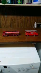 Two vintage dinky toys