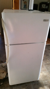 Fridgidaire fridge 5 years old