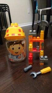 Mega Bloks Lil' Builder Hat Bucket 25pc Pre-School Construction