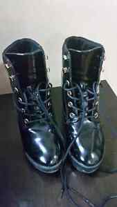 Aldo Women boots like new