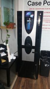 Prix réduit - Machine distributrice de café  haut de gamme