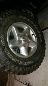 pneu wrangler avec mags pour pick up