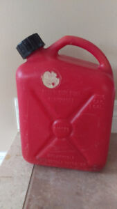 RARELY USED Gas Tank Jerry Can 1 US Gallon 3.6L