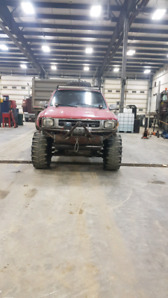 1994 Toyota pickup and complete parts truck