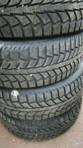 P185/65R15 Uniroyal Tigerpaw Ice And Snow 2s