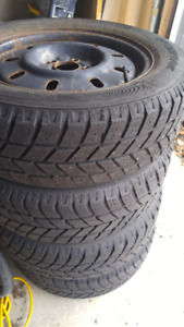 Hankook Winter tires plus rims 215/60R16