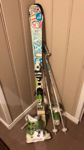 Junior Girls Roxy Skis Package, with additional Poles added