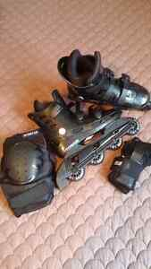 Roller blades size 6-8, knee and wrist protectors included