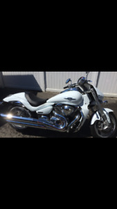2009 M109R Limited Edition for Sale $8000! Very fast/comfy bike!