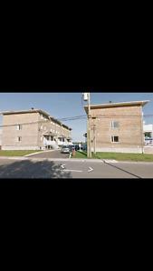 Chambre dans un 4 1.2 sur 2 étages ( Beauport Boul  Ste-anne)