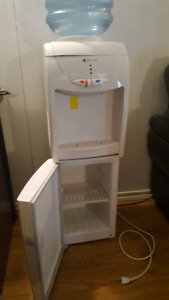 Water cooler with storage