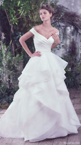Wedding Dress - Never Worn - Maggie Sottero Size 4