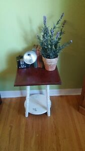 UNIQUE SIDE TABLE!!!!!!
