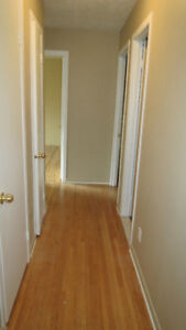 CHATEAUGUAY - 4 APTS FOR RENT/A LOUER 3X5 1/2 = 1 X 3 1/2