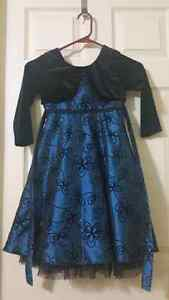Christmas kids dress.  Size 3-4 Cambridge Kitchener Area image 1