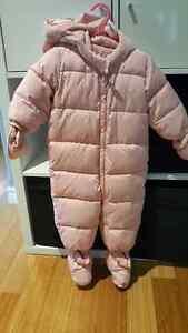 Baby GAP warmest snowsuit 12-18M