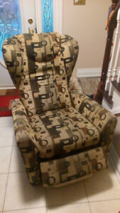 RECLINER with FOOTREST