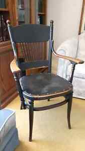 LOVELY ANTIQUE SPINDLE CHAIR, OAK,  CAPTAIN'S CHAIR