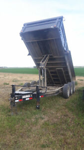 TRIPLE AXLE DUMP TRAILER