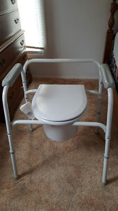 2 Portable Commodes