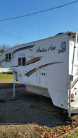 2009 Arctic Fox 990 Camper with Slide-Out. Fully loaded