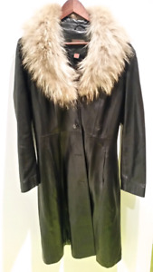 Danier leather coat with removable collar