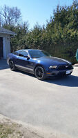 2012 Ford Mustang V6 Coupe (2 door)