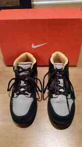 Boys 6Y Nike basketball shoes Windsor Region Ontario image 3