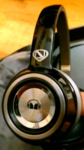 MONSTER HD HEADPHONES NEW