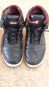 Size 11 men shoes- good condition