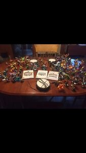 Skylanders for Wii or Wii u. 3 games, 3 portals, 102 figurines