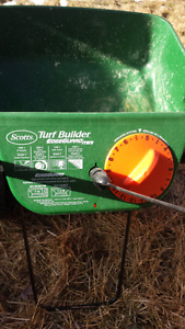 Scotts turf builder fertilizer and spreading machine