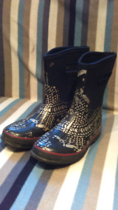 Boys Rubber Boots size 3 with pattern