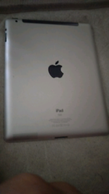 IPad 4 crack on touch screen still works iCloud lacked