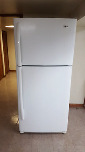 LG fridge in excellent condition