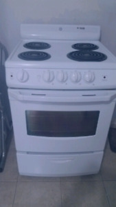 "24""STOVE WHITE ELECTRIC GE NEW"