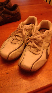 Relaxed Step Sketcher's Shoes size 11