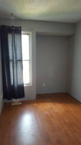 Airdrie, Room for Rent, $550 incl utilities, cable & internet