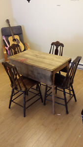 Real Wood Kitchen Table With 4 Chairs - 100$