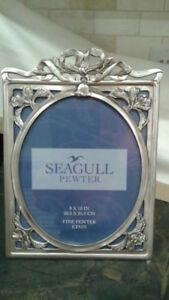 "8"" x 10"" Seagull Pewter frame in mint condition"
