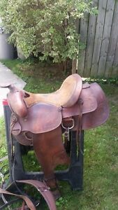 "14.5 -15"" KING SERIES SADDLE IN GOOD SHAPE MUST SEE TO APPRECIAT"