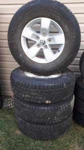 Mags et pneus d'étés pour dodge ram, 265/70R17-Négociable