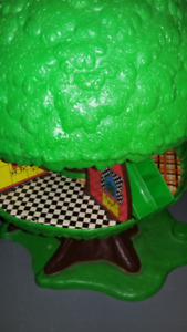 Vintage Kenner Tree Tots Treehouse - Toy house 1970s