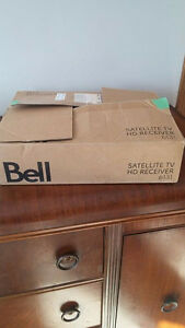 NEW! Bell HD Satellite Receiver 6131 and multi switch/splitters
