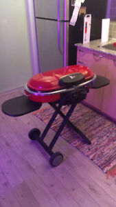 Red Coleman's Road Trip Grill LXE **USED ONLY ONCE**