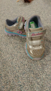 Girls sketchers shoes, size 7T and 8T